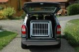 Klec N8 v autě